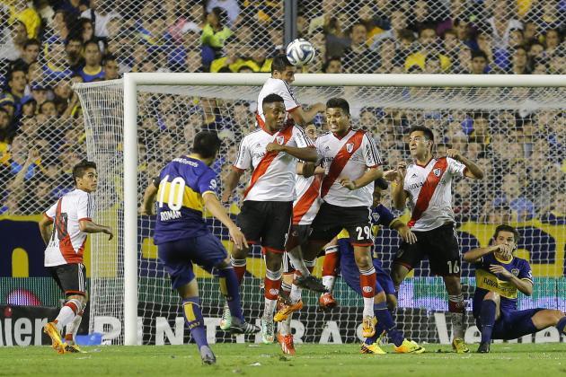 Golazo de Riquelme ante River Plate