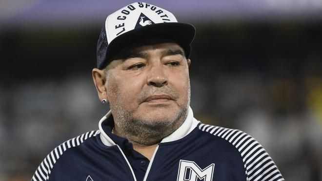 A Maradona le abandonaron y por eso se murió
