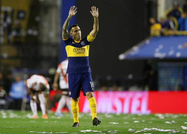 A Tevez le preguntaron si sigue en Boca y respondió...