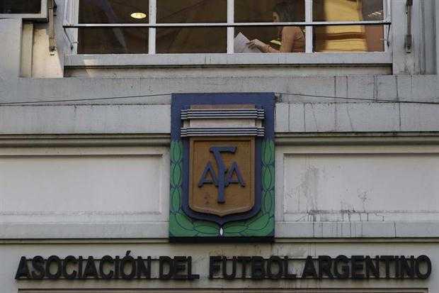La AFA dio marcha atrás y confirmó que Boca, Central y San Lorenzo jugarán en el mismo horario