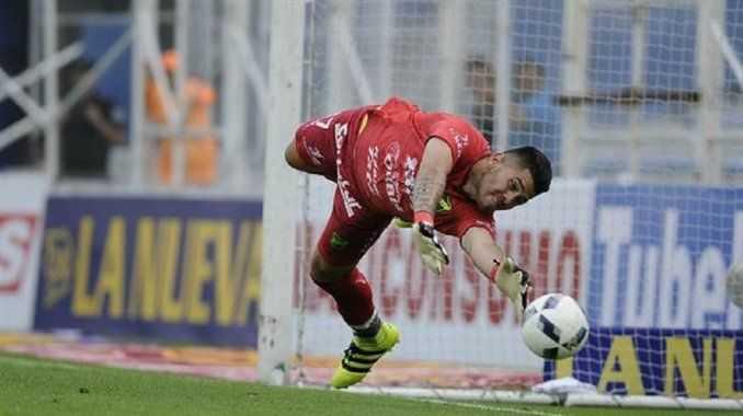 Agustín Rossi podría debutar en el arco de Boca en el amistoso ante Colón