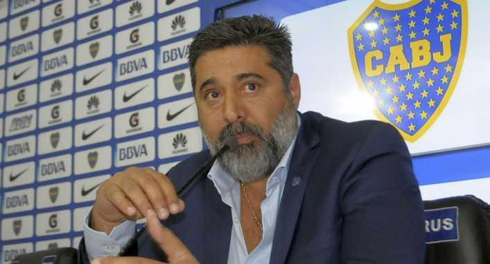Angelici reconoció que Boca gestiona los fichajes de dos jugadores