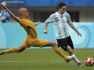 argentina pasa de ronda con poco