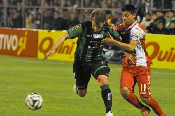 Argentinos cayó 2-0 con San Martín y Riquelme se fue lesionado