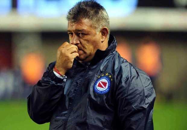 Argentinos volvió a perder ¿se va Borghi?