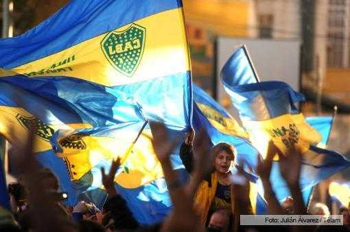 Hinchas convocaron para hoy un banderazo por la renovación a Riquelme