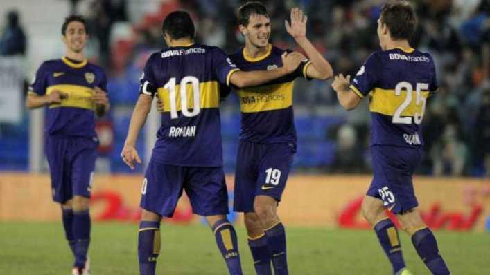 En la noche de Riquelme, Boca goleó a Arsenal