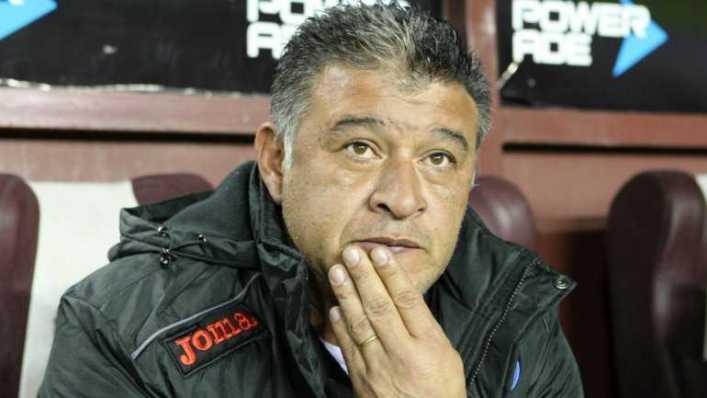 """Borghi, sincero: """"Si lo llevo al banco a Riquelme, me mata"""""""