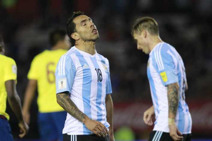 """Carlos Tevez, duro tras la derrota: """"Hicimos todo mal"""""""