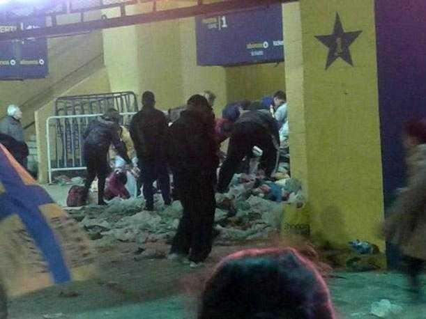 CARLOS TEVEZ RECAUDA ALIMENTOS EN BOCA JUNIORS PERO SE LOS ROBAN
