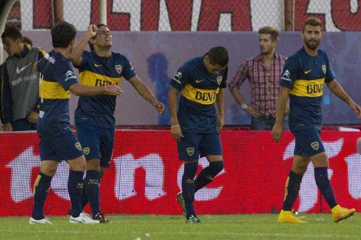 Con dos goles de Meli, Boca venció a Huracán y es el único líder del campeonato