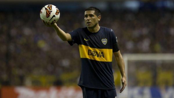 Con Riquelme pero sin refuerzos, Boca visita a Estudiantes