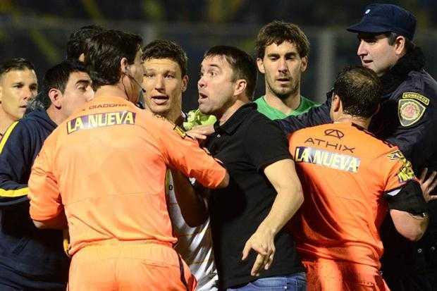 Con suplentes, Boca visita a Rosario Central, que lo recibe con los titulares