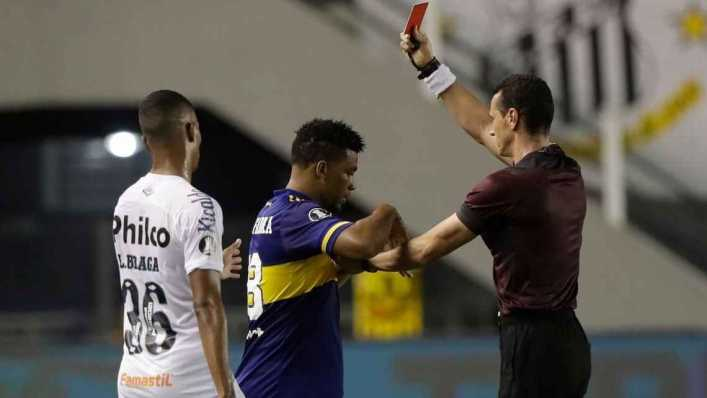 Conmebol suspendió por tres partidos a Frank Fabra, de Boca Juniors