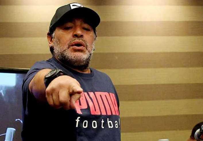 VIDEO: Diego envió un mensaje para Tevez y también se acordó de Riquelme