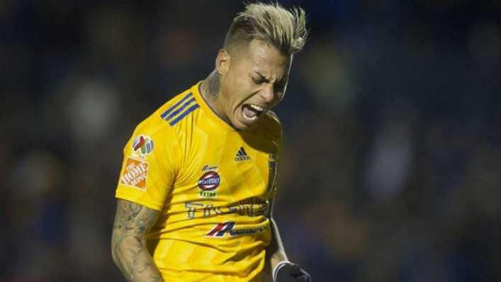Eduardo Vargas podría llegar gratis a Boca Juniors