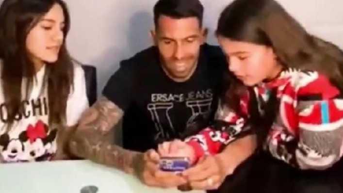 El divertido video con el que Carlos Tévez inauguró sus redes sociales