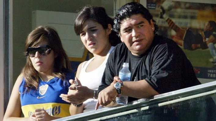 El relato de la joven a la que Maradona salvó la vida emociona a la hija del futbolista
