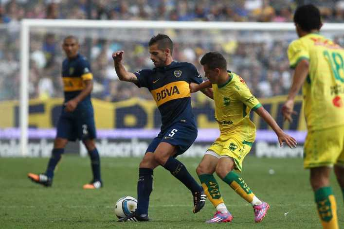 En 15 minutos, Boca tuvo tres lesionados: Gago, con una contractura