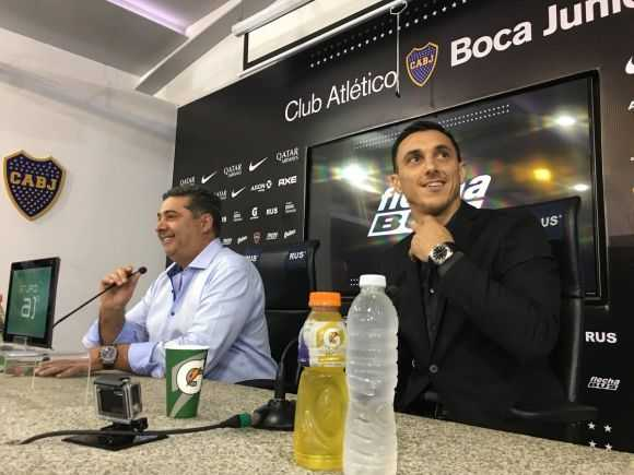 En un Boca sin técnico, fue presentado Nicolás Burdisso