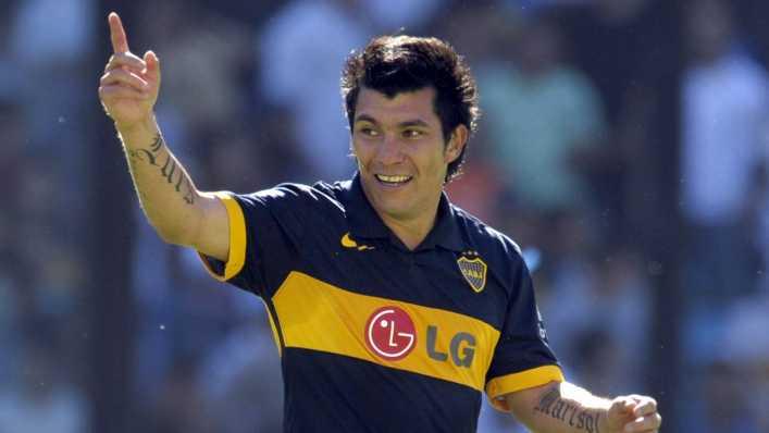 Gary Medel más cerca de volver a Boca Juniors que a la UC