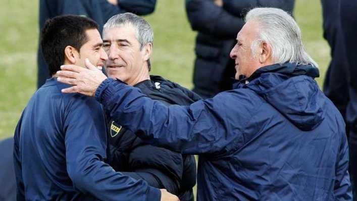"""""""Hoy los jugadores no hablan de fútbol, Riquelme es el único que mira todos los partidos"""""""