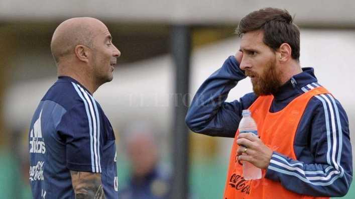 Jorge Sampaoli admitió que Paulo Dybala choca con Lionel Messi