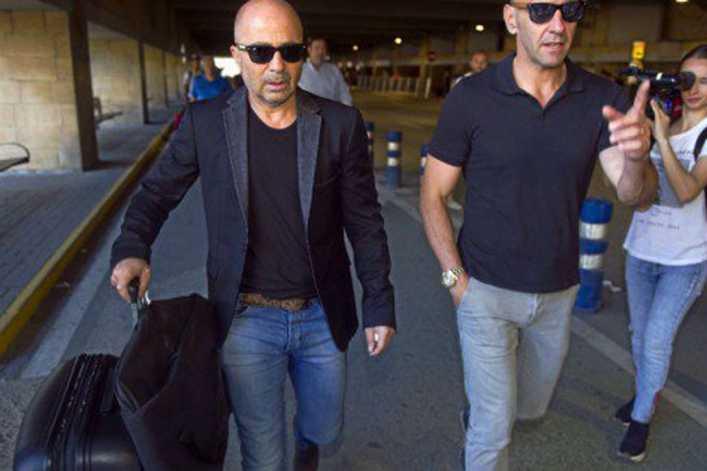 Jorge Sampaoli regresó a la Argentina tras su gira por Europa