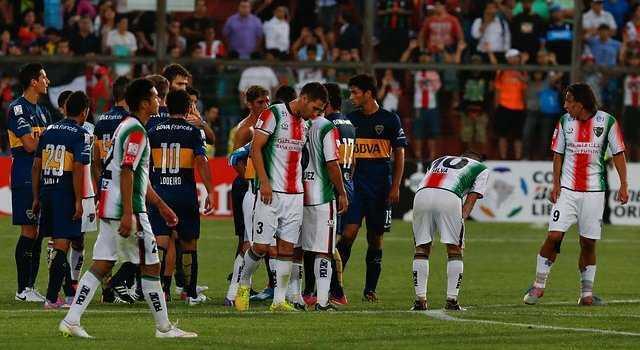 Jugadores de Boca Juniors tuvieron fuerte discusión tras intercambio de camiseta con Palestino