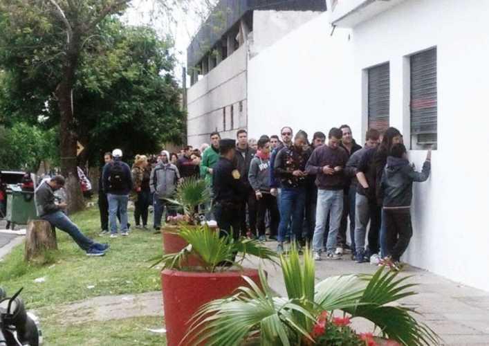 La presencia del Xeneize revoluciona a Paraná