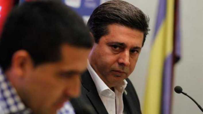 Riquelme le 'tiró la pelota' a la dirigencia de Boca, que se vio 'acorralada' y se reunió