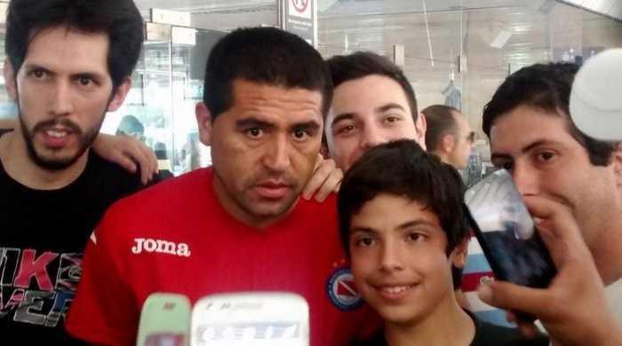 Riquelme llegó a San Juan y fue recibido con el cariño de la gente
