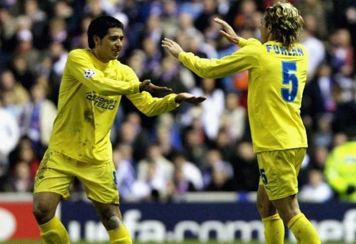 Los años dorados del Villarreal al son de Riquelme y goles de Forlán