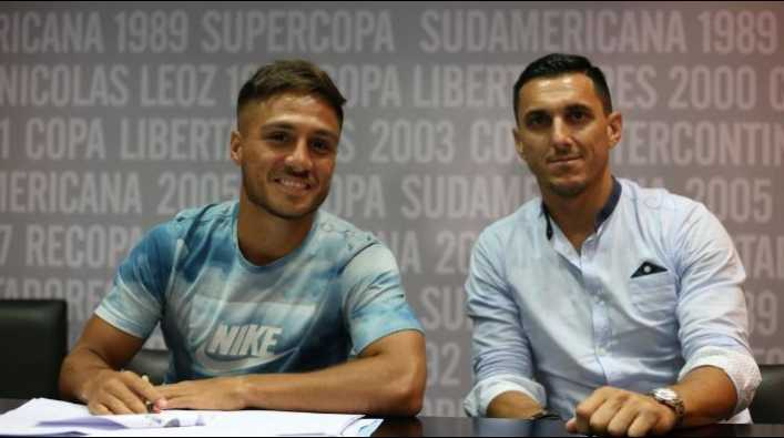 Mac Allister firmó con Boca