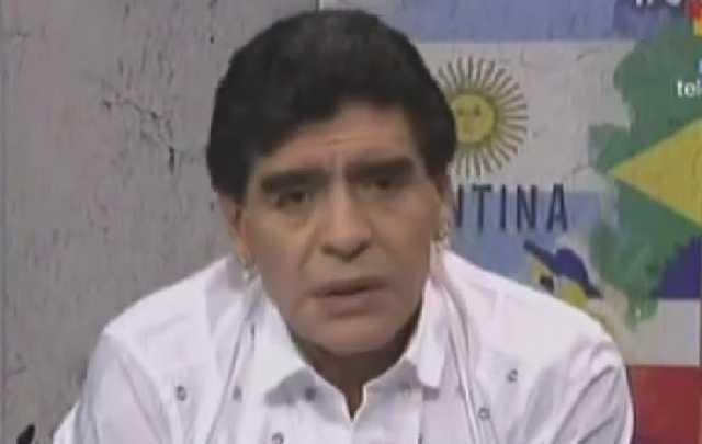 "Maradona salió al cruce de Grondona: ""Pobre estúpido"""