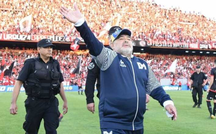 Maradona seguirá en el Gimnasia