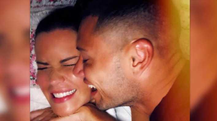 MAURO Y NATALIE PRESENTARON AL NUEVO INTEGRANTE DE LA FAMILIA