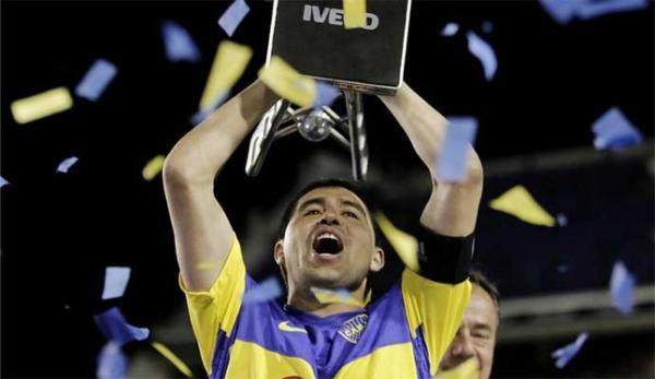 Riquelme: 'Me ilusiona volver a jugar con Messi'
