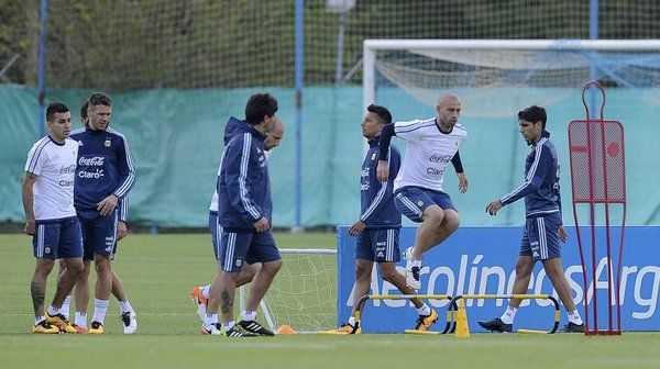 VIDEO: Messi realizó trabajos diferenciados y Martino evaluó a Musacchio