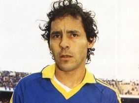 Murió Roberto Cabañas, ídolo de Boca Juniors