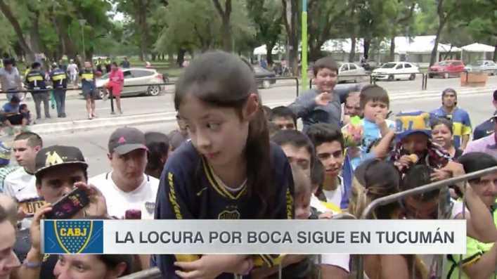 VIDEO: Pura ternura: la pequeña fanática de Tevez recibió el abrazo de su ídolo
