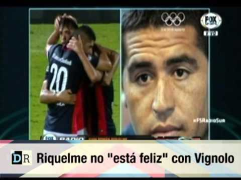 VIDEO: Riquelme le marcó la cancha al Pollo Vignolo