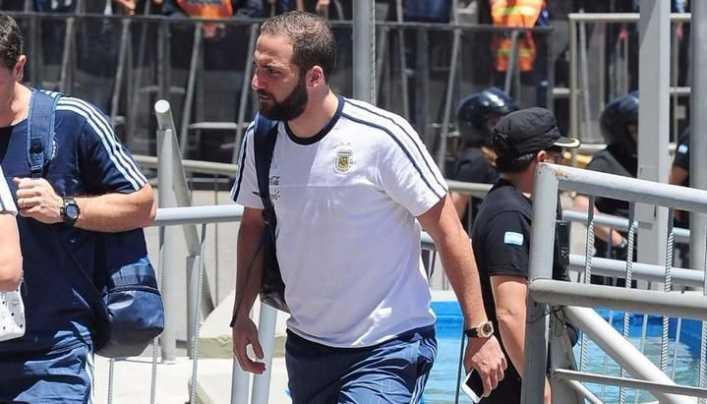 Sampaoli: Higuaín no tiene nada que probar, se quién es y cómo juega
