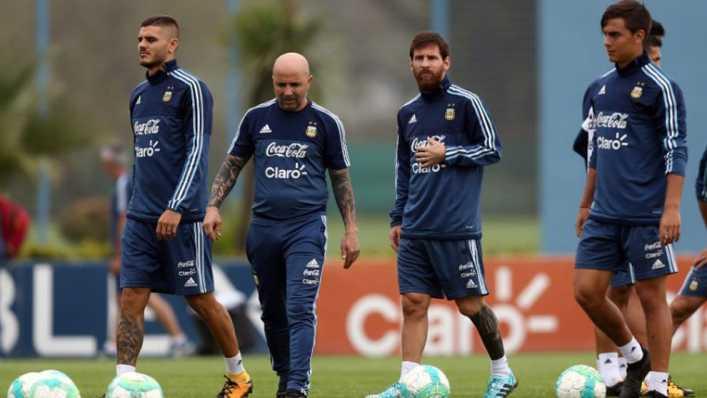 Sampaoli planea mini concentración en la casa de Messi