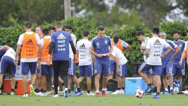 Scaloni prueba los once para enfrentar a Guatemala
