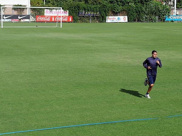 Riquelme, sin su día libre: se entrenó solo y pretende jugar el domingo