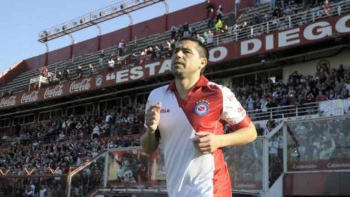"Se le siguen cerrando las puertas a Riquelme: ""Es imposible que venga a Guillermo Brown"""