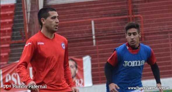 Sebastián Riquelme, el hermano de Román, se suma para entrenar con la Primera