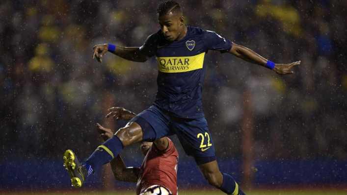 Sebastián Villa le gana el pulso a Cristian Pavón en Boca Juniors
