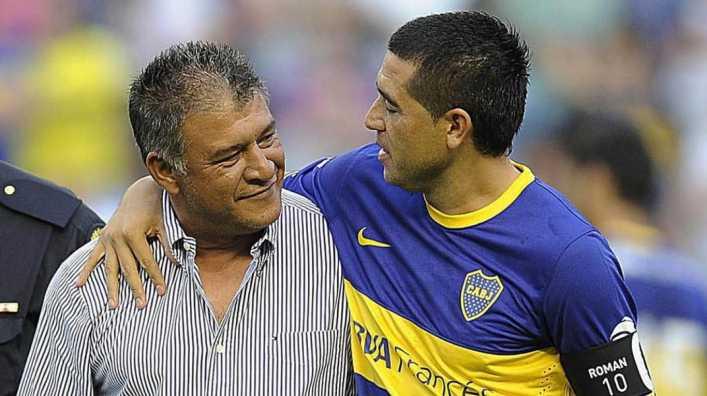 Si Riquelme se postula puede ser presidente de cualquier club
